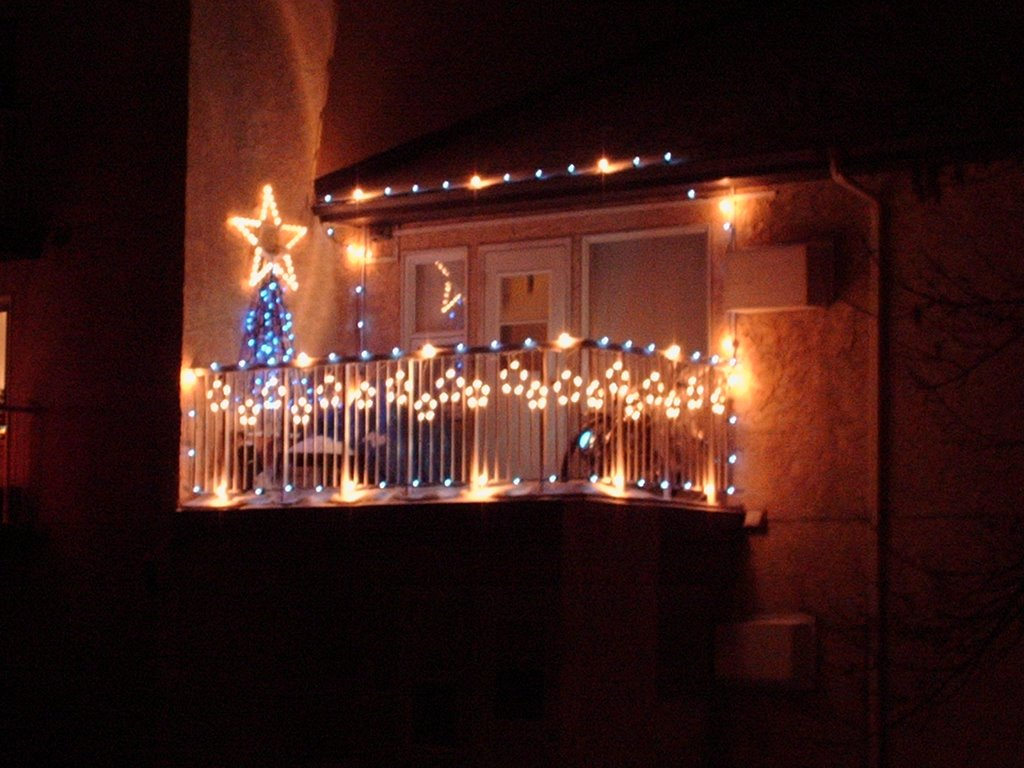 Granny 39 s pride christmas is just a month away for Christmas balcony decorating ideas