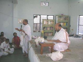 Pt. Padmanabhachar welcoming Pt. Malagi Jayatheerthachar.