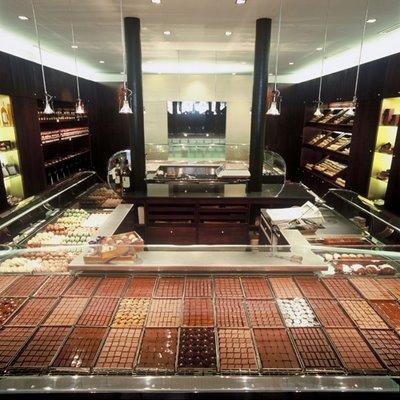 JEAN-PAUL HEVIN la Motte Picquet shop