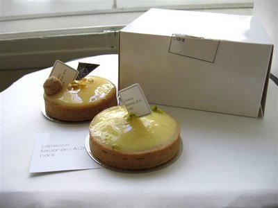 Tarte au Citron outside the box