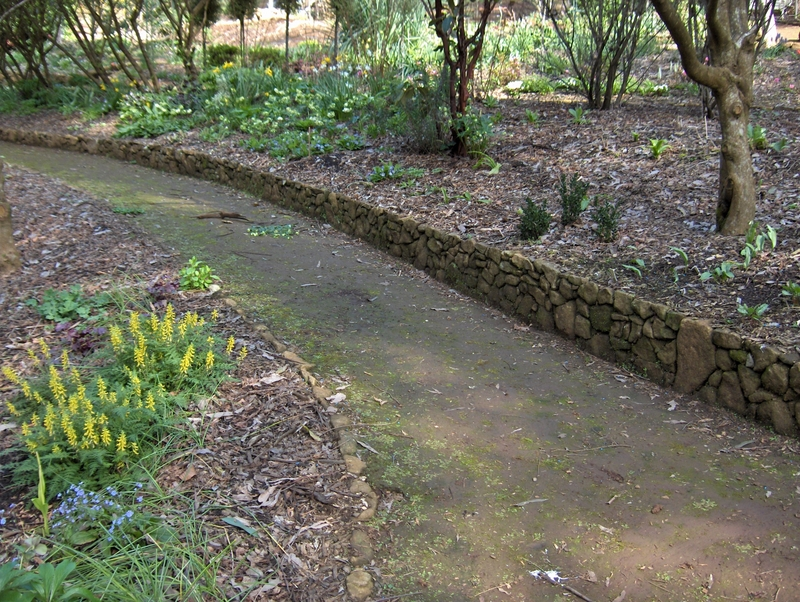 Stonework for Laying river rock