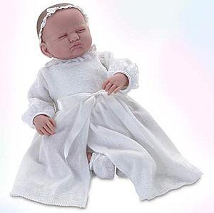 La muñeca bautizada Leonor Carola de Borbón y Wojtila de Todos los Santos