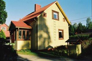 omakotitalo / 'own home house'