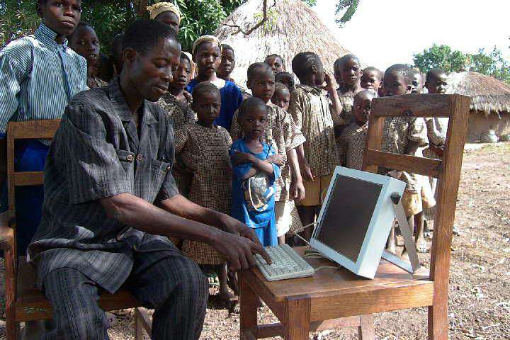 the role of technology in developing countries 159 16 developing countries i nformation technology (it) has the potential to revolutionize the lives of people in developing countries many of the ways that.