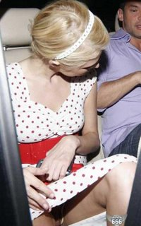 Paris Hilton sin bragas