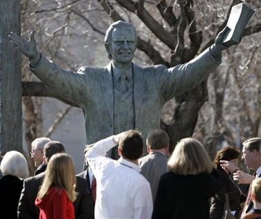 The statue of Billy Graham in Nashville