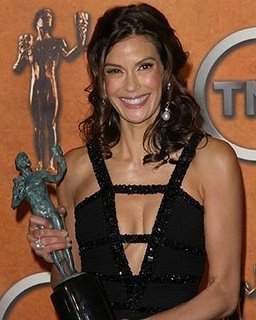 Teri_Hatcher_braless