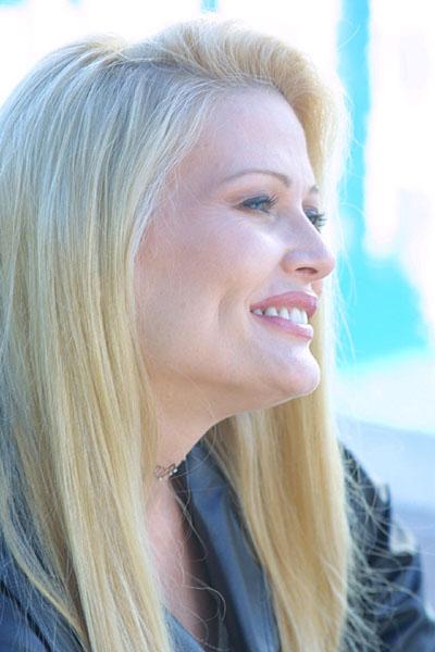 Debra Jo Fondren - Actor - CineMagia.ro