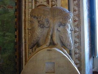 Busto de Janus no Vaticano