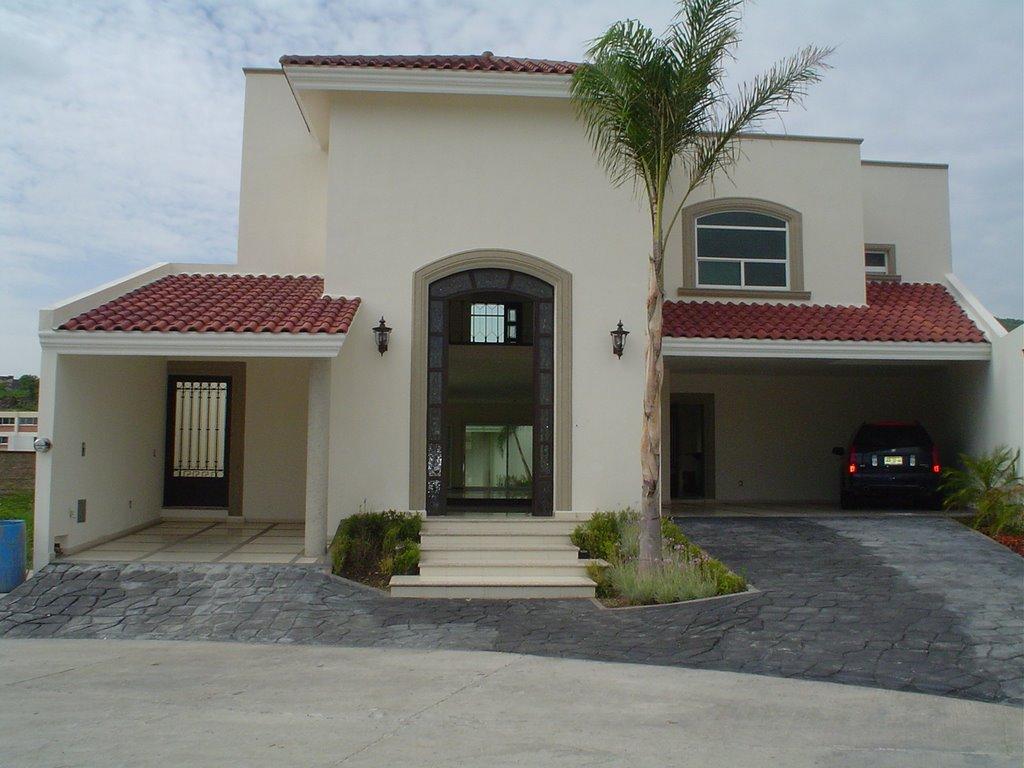 Fachadas de bardas bardas de casas modernas related for Fachadas frontales de casas