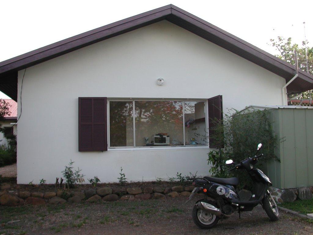 Medhy noum a le 26 11 2006 maison partie1 for Maison de la moto belle rose