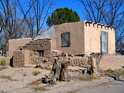 Mesilla blog adobe embeds for Building an adobe house
