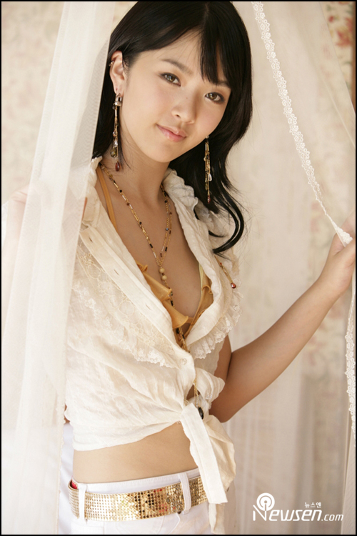 http://photos1.blogger.com/x/blogger/3803/742/1600/409499/Bae%20Seul%20Gi10.jpg