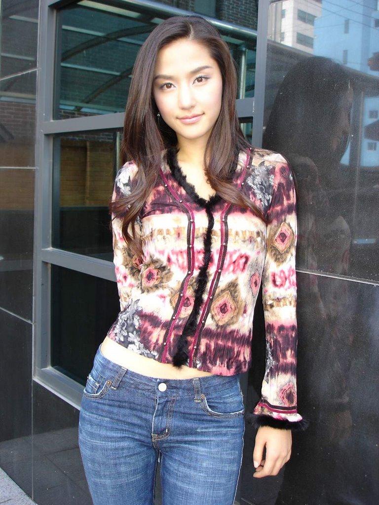 http://photos1.blogger.com/x/blogger/3803/742/1600/569049/Gong%20Hyun%20Joo3.jpg