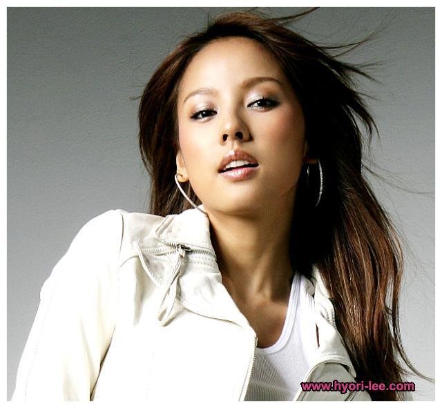 http://photos1.blogger.com/x/blogger/3803/742/1600/752751/hyori1.jpg