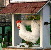 Well Chicken Lawn Ornament