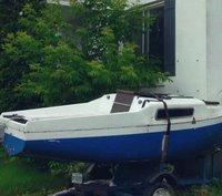 Tiny Yacht