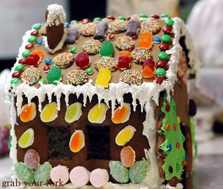a's gingerbread house left-side