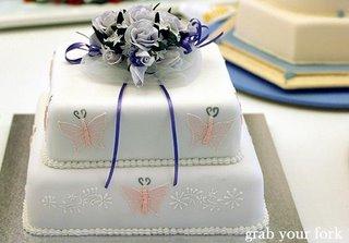 wedding cake lilac