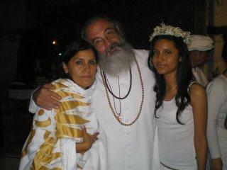 El Maestro con la Mata Ji Nagar y su hija