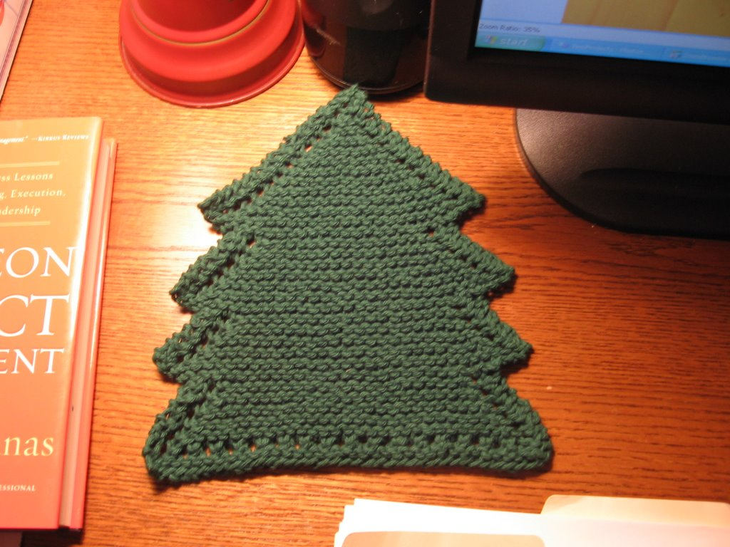 Free Knitting Patterns Christmas Dishcloth : Kelleys Yarns: Christmas Tree Dishcloth