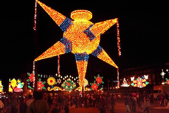 Resultado de imagem para piñatas navidad  mexico