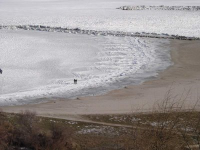 temperature drop drastically make frozen sea happen