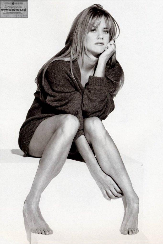 SEXY CELEB LEGS: Meg Ryan's sexy legs