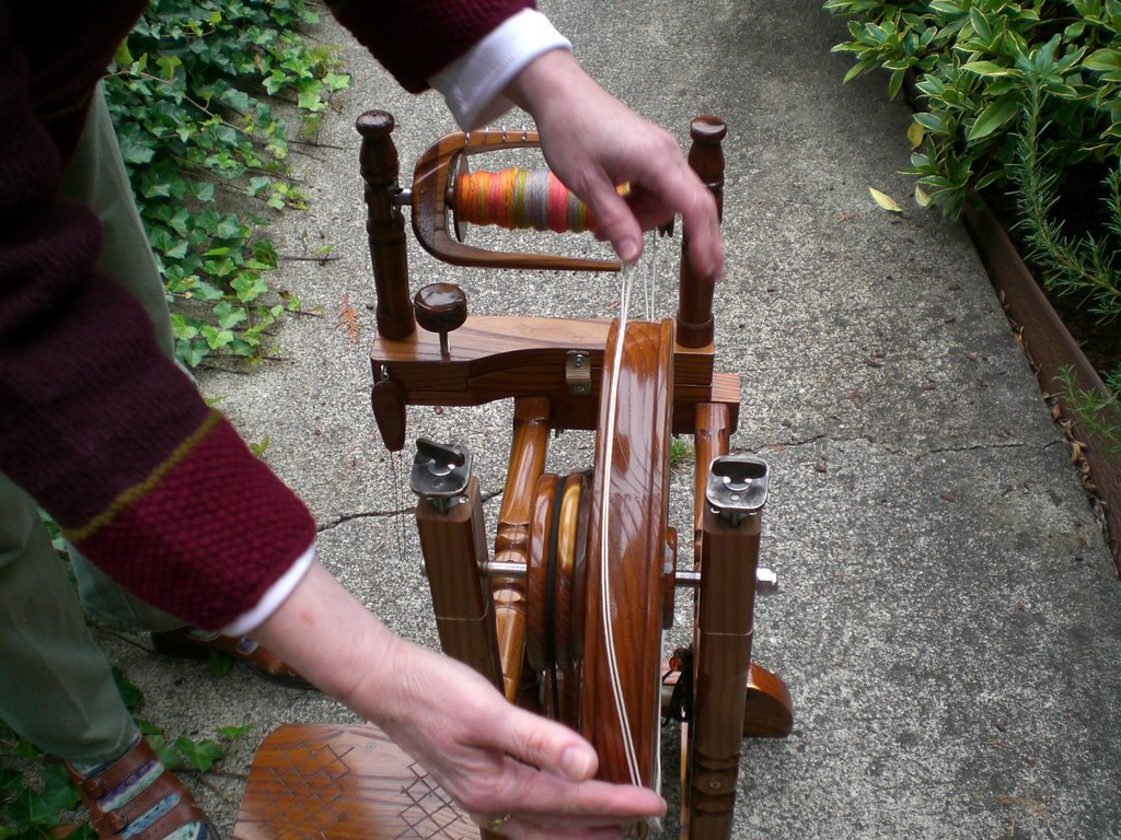 how to make a spinning wheel drive band