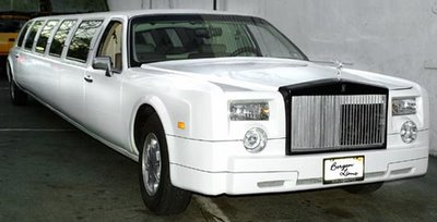 Carscoop Lincoln RR%205 Pimp of the Day: Lincoln Town Car Limo fully equipped with Rolls Royce body kit and chandeliers