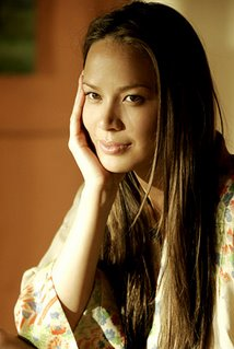Moon Bloodgood, 6 of the 13 letters in her name are Os