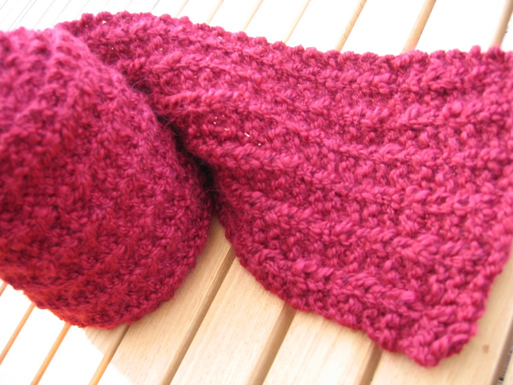 Raspberry Stitch Knit Hat Pattern : The Fabulous Miss F s Raspberry Scarf RoseRed