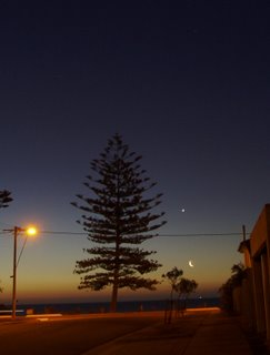 Moon and Venus setting in Spring 2007