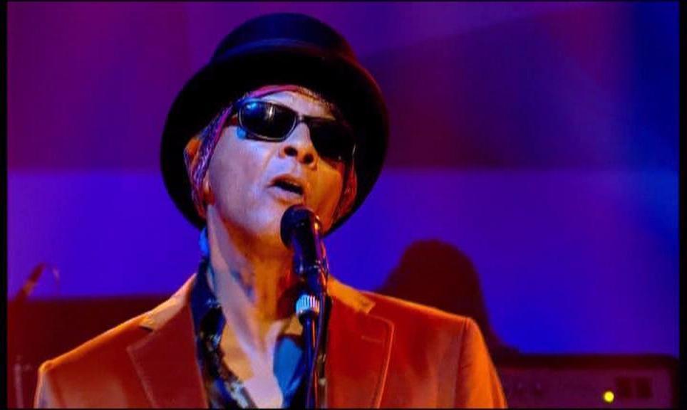 Il frontman dei Love, nato il 7 Marzo del 1945