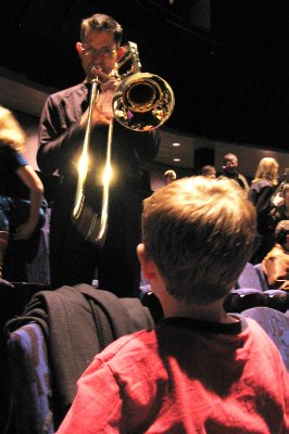 Master Ionarts meets the trombone, 3 December 2006, member of the Capitol City Symphony, Atlas Performing Arts Center