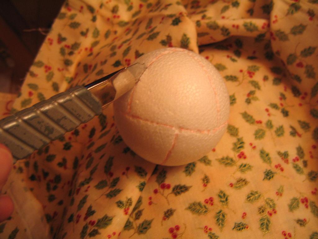 Chez luckie pas pas d corer une boule en polystyr ne for Boule polystyrene a decorer