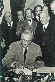 president franklin d roosevelt and the social security act When franklin roosevelt clashed with the supreme court introduced the welfare state to the nation with the social security act franklin d roosevelt.