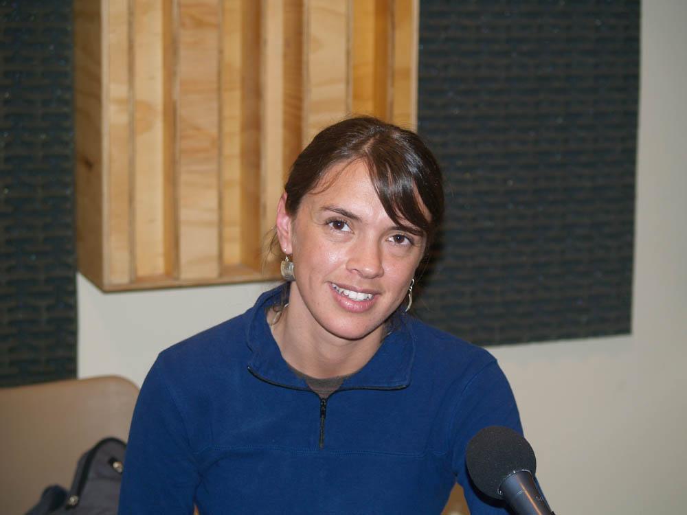 Fotos ntesis en radio uc for Divan y paula
