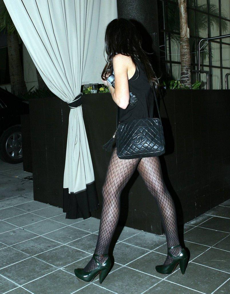 Lindsay Lohan Shows Pussy 83