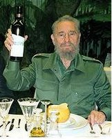 Castro disfrutando de la buena vida mientras su pueblo se tira al mar buscando libertad