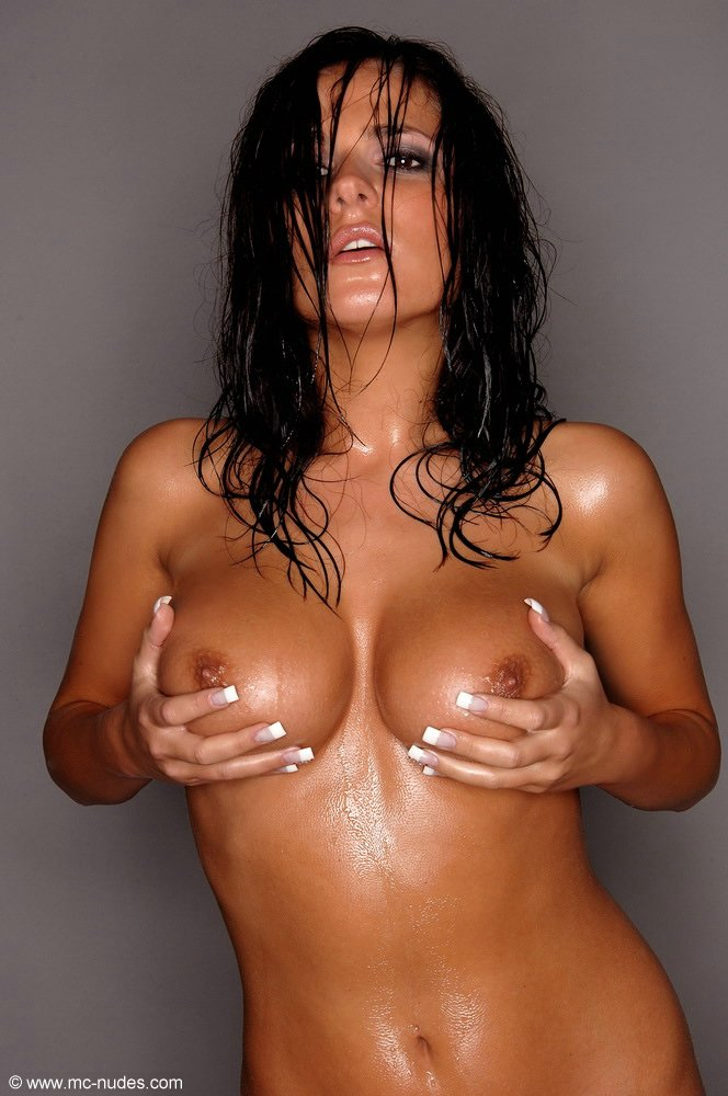 oiled up naked hot chicks