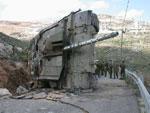 دبابة ميركافا إسرائيلية محطمة في جنوب لبنان
