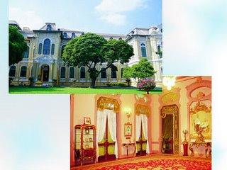 Bangkhunprom Palace