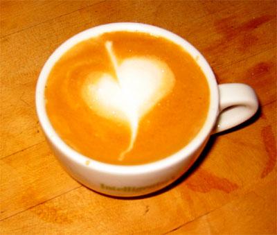 leaf latte art from caesar vibiemme