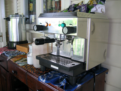 alex twyman's old tavern coffee makes good cappuccino in the berezza at strawberry hill