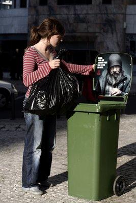 publicidad hasta en los contenedores de basura