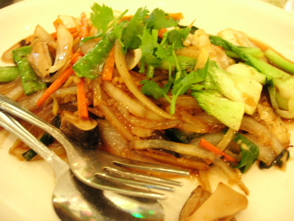 Foodie universe 39 s restaurant reviews restaurant review for Fish dish sherman oaks