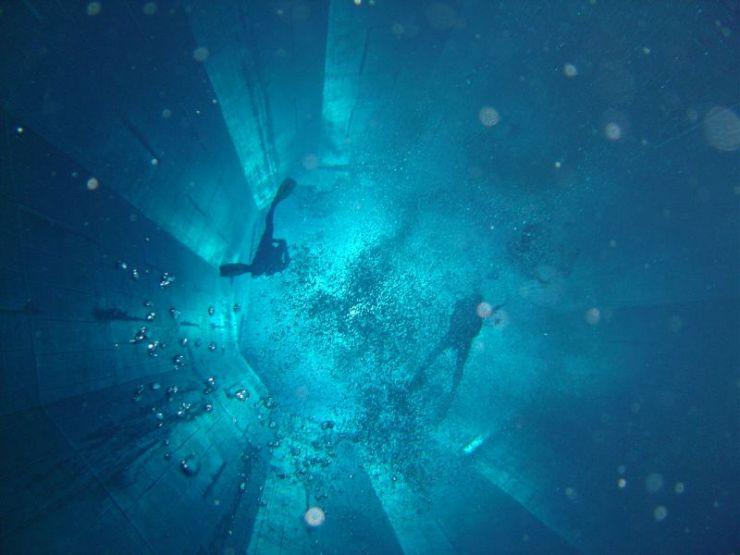 World 39 S Deepest Swimming Pool Bhingkayz