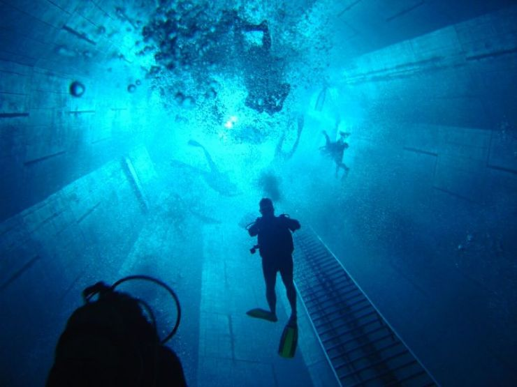 World 39 S Deepest Swimming Pool Damn Cool Pictures