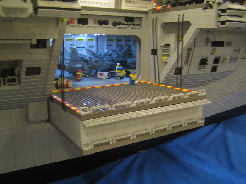 how to build a lego aircraft carrier